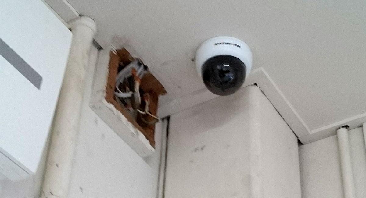 監視カメラ 施工